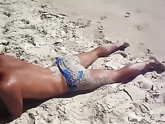 See hot guys in Speedos
