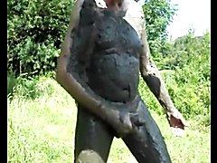 perverse drecksau bolzona voll mit schlam am wichsen