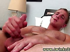 Free gay porn mobile movie gallery Sexy and buff Marcus Mojo comebacks to Boys-Smoking